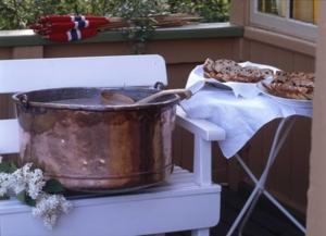 kobberkjele på veranda på aulestad